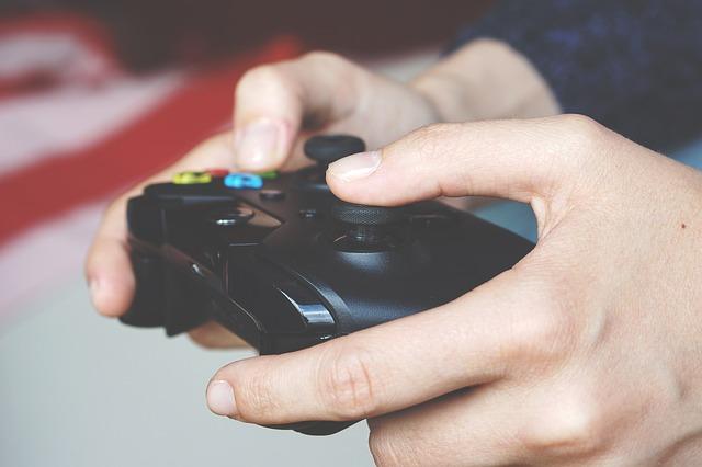 hraní her