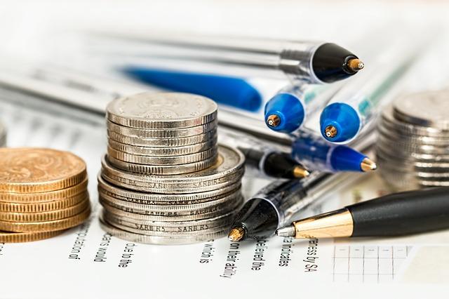 tužky a mince