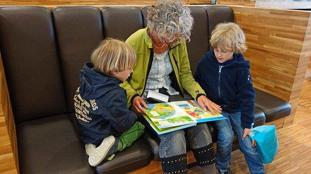 babička a vnoučata
